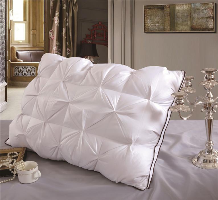 白色面包枕